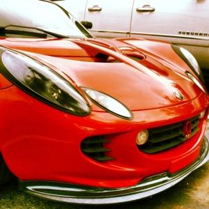 Lotus Elise red